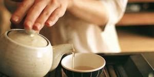 千万别在喝茶的时候失礼