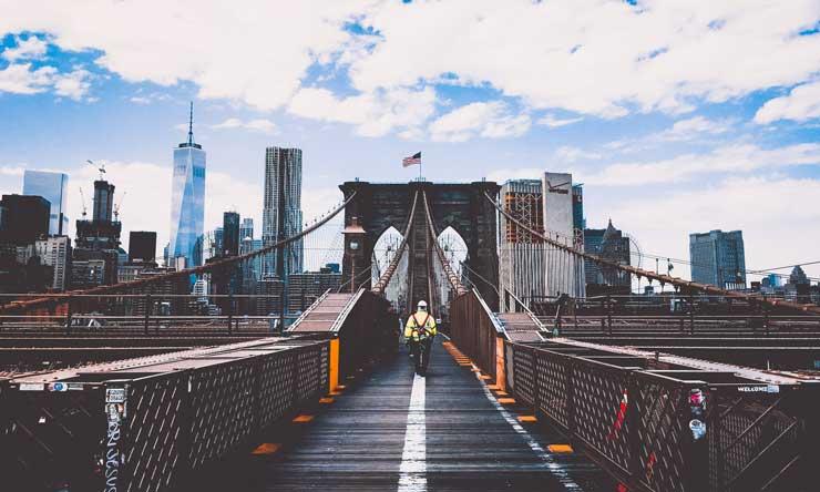 01_你真正应该怕的是不去行动不去改变,而不是不甘平庸_一座大桥桥