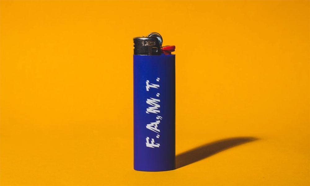 04_一个一次性打火机可以打燃多少次_蓝色打火机